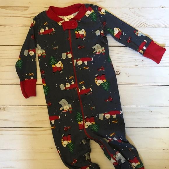 Hanna Andersson Other - Hanna Andersson size 70 Christmas Santa pajamas
